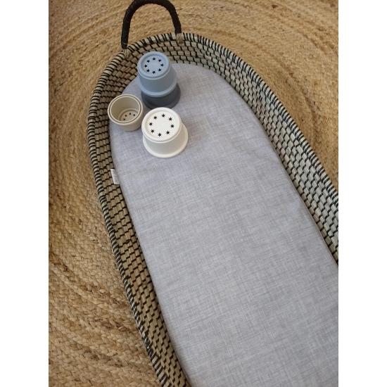 Waterdicht matrasje grijs gemeleerd voor verschoonmand